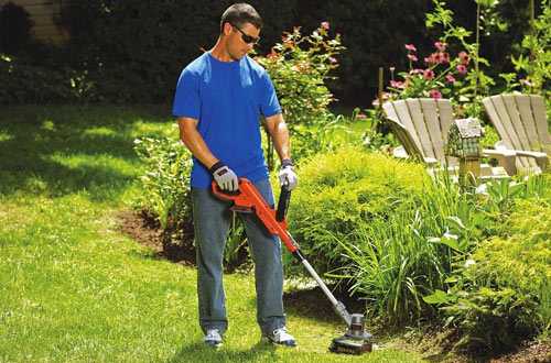 BLACK and DECKER LST300 Battery Weed Whacker